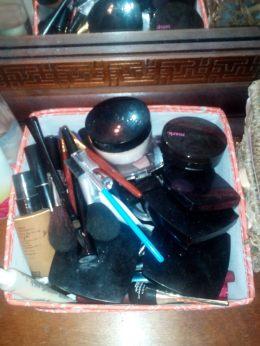 Makeup bin